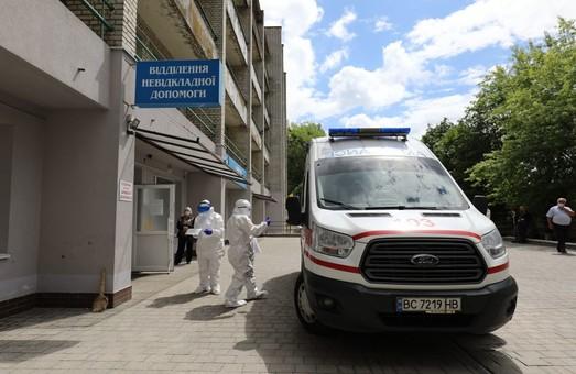 На Львівщині учора менш ніж кожен другий тест на COVID-19 дав позитивний результат