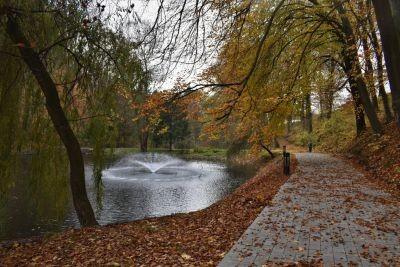 У Львові відновили озеро та громадський простір навколо нього