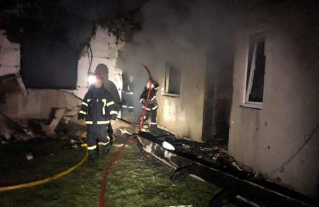 У Жовківському районі на Львівщині сьогодні вночі згорів житловий будинок