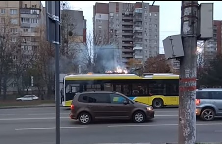 У Львові загорівся новий тролейбус