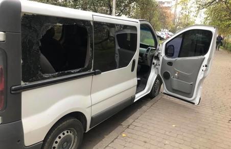 У Львові пограбували мікроавтобус