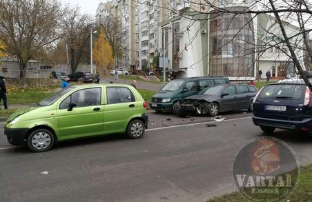 Зранку у Львові на перехресті Мазепи – Плугова зіштовхнулися легковики