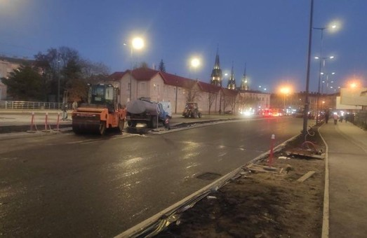 У Львові завершили асфальтування проїзної частини на вулиці Чернівецькій