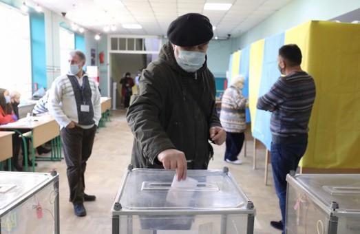 Виборчий процес у Львові триває спокійно