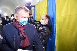 Олег Синютка голосує
