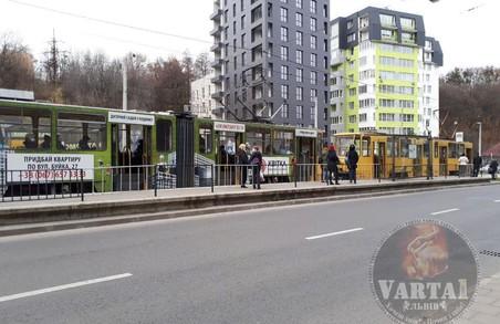 Сьогодні зранку у Львові зупинилися трамваї, які курсують на Сихів