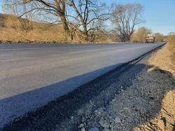 На Львівщині завершують ремонтувати автодорогу, яка веде до Поморянського замку