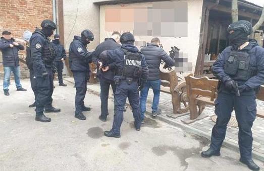 У Львові поліцейські затримали злочинця, який перебував у міжнародному розшуку