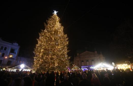 Попри можливий «святковий локдаун» в Україні, Львів готується до святкування Нового Року та Різдва