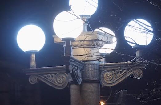 У Тернополі замінюють лампи вуличного освітлення із вмістом ртуті