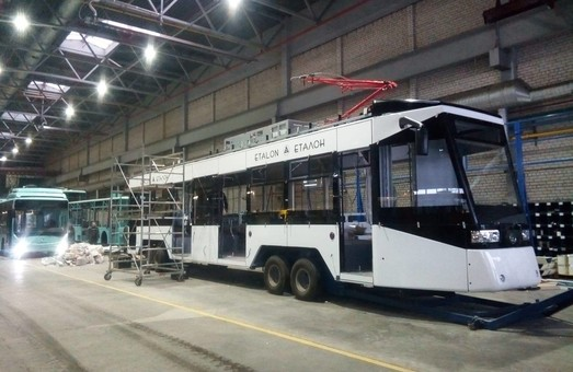 У Чернігові на автозаводі завершують складання першого трамвая