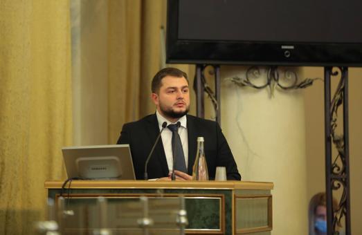 Юрій Холод між посадами заступника голови Львівської облради і заступника голови Львівської ОДА обере першу