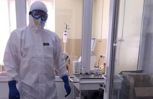 В Україні у четвер виявили понад 15 тисяч нових випадків COVID-19