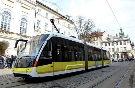 У «Львівелектротрансі» визнали, що дві третини трамваїв «Електрон» не покидає депо