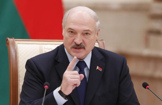 Лукашенко заявляє про «зброю з України», а наше МЗС спростовує ці заяви