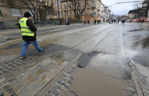 Трамваї по вулиці Шевченка у Львові поїдуть іще не скоро