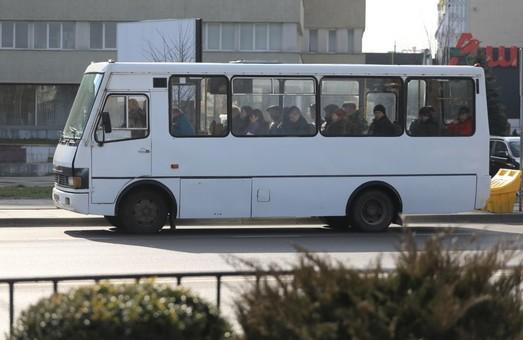Із середи 30 грудня автобуси маршруту № 17 у Львові прямуватимуть по вулиці Шевченка
