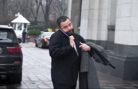 «Ляльководи»: люди Ахметова і Коломойського нишпорять за кожною колоною ВР
