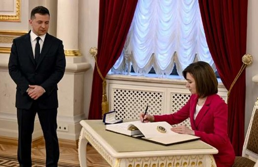 Президентка Молдови ненав'язливо присоромила Зеленського за його «локдаун» в Буковелі
