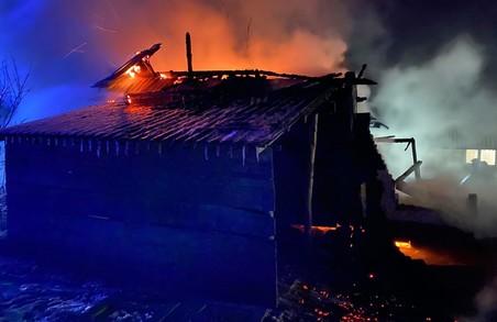 У селі Пиратині на Львівщині згорів дерев'яний будинок