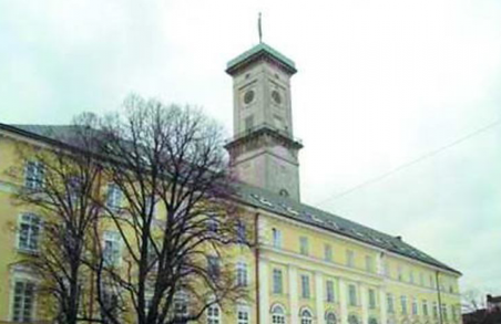 Апарат Львівської міськради потребує 125 працівників