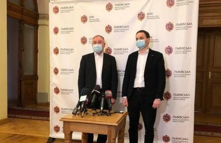 На Львівщині для «ковідних» хворих є майже 4000 лікарняних ліжок, але вони заповнені менш на третину
