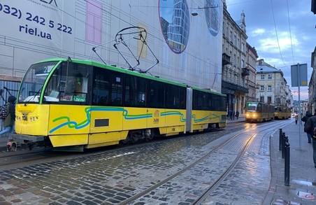 У центрі Львова зранку зупинився рух трамваїв
