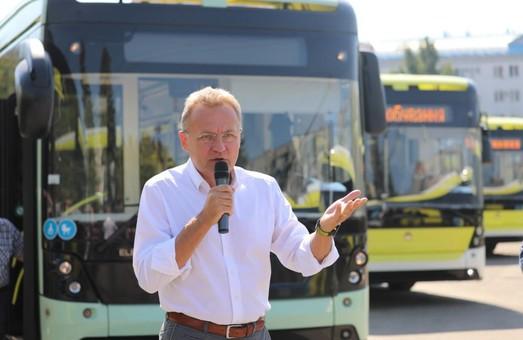 Садовий знову назвав МАЗ переможцем тендеру на постачання автобусів до Львова