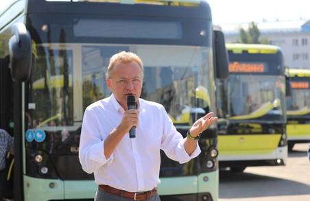 У Садового за кошти кредиту ЄІБ хочуть купити автобуси, які служитимуть 7 років