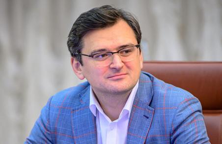 Кулеба заявив, що із Росії «відповідь прилетить» на блокування телеканалів Медведчука