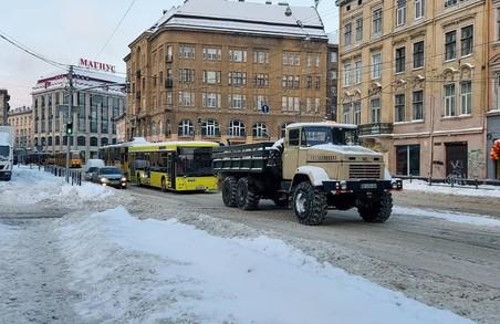 У Львові сьогодні зранку комунальний автобус МАЗ 203 зупинив рух трамваїв на вулиці Городоцькій