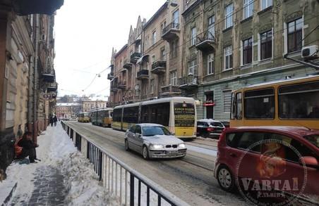 У Львові через ДТП призупинився рух трамвая на Сихів