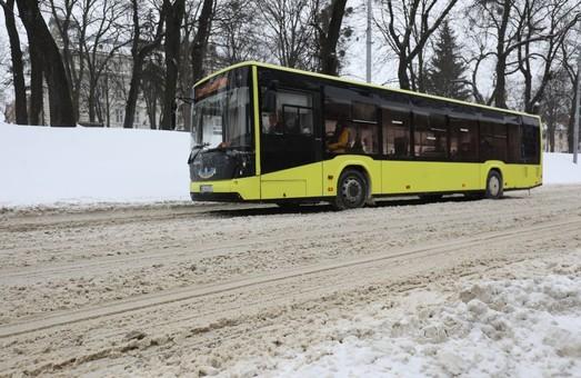 У Львові на маршрути зранку виїхало 543 одиниці громадського транспорту