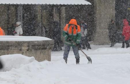 Львів'янам синоптики і далі обіцяють снігопади