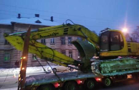 У Львові на вулиці Кульпарківській вантажівка пошкодила контактну мережу тролейбуса