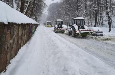 У Львові біля церкви св. Юра зупинилися тролейбуси