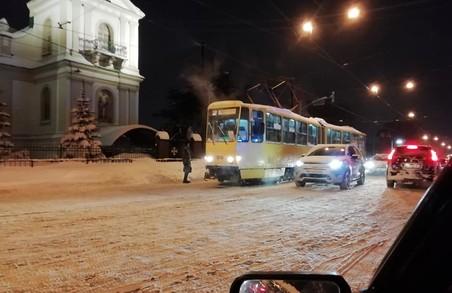 У Львові на вулиці Личаківській зійшов із рейок трамвай