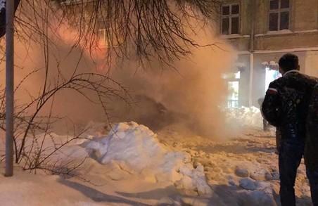 У Львові вчора ввечері майже в центрі Львова зайнявся автомобіль