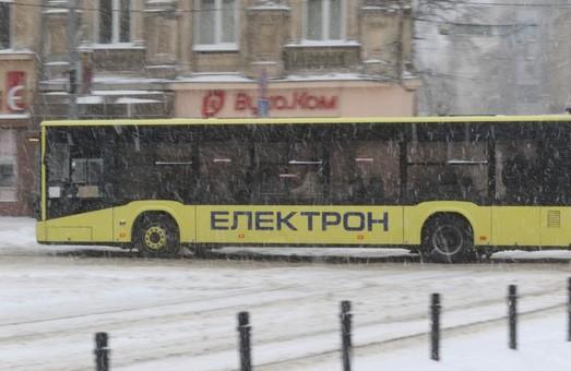 У Львові у неділю 14 лютого вийшло на маршрути 266 одиниць громадського транспорту