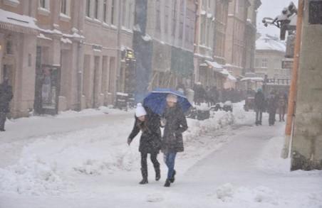Синоптики попереджають львів'ян про ожеледицю і туман