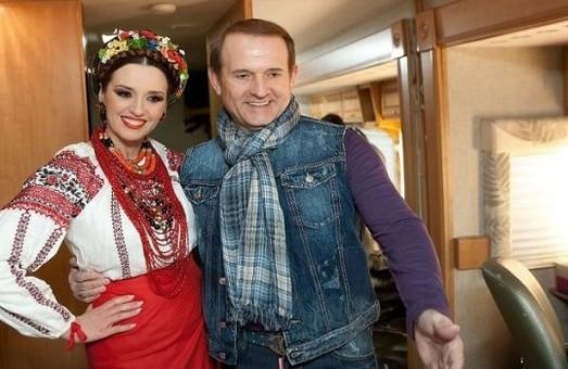 Віктор Медведчук і його дружина Оксана Марченко потрапили у санкційний список РНБО
