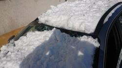 У Львові учора снігова брила пошкодила три автомобілі