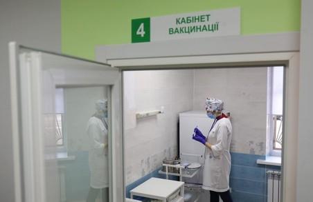 Вакцинація простих українців від COVID-19 розпочнеться не раніше квітня-травня