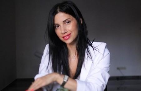 Харків'янку Ірину Полуектову, яка намагалася відновити шлюб із небіжчиком, звинуватили у шахрайстві