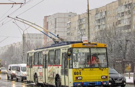 Від завтра у Львові на маршрути буде виїздити більше тролейбусів