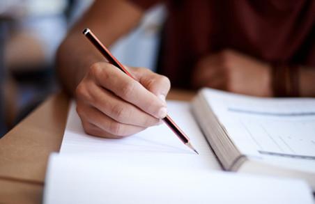 Бажаючі отримати українське громадянство здаватимуть екзамен з мови