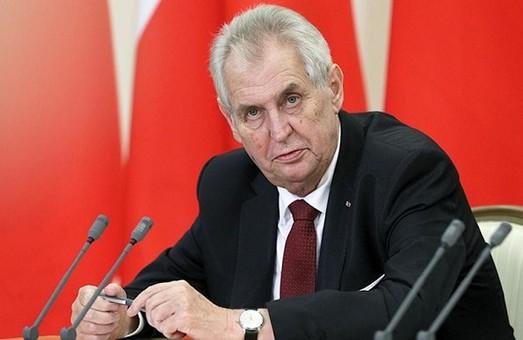 Президент Чехії Земан просить у Путіна вакцину «Супутник V» проти коронавірусу