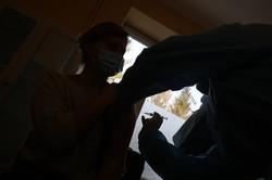 У Львові від COVIDу щепили медиків 8-ої міської клінічної лікарні (ФОТО)