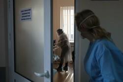 У Львові від COVID-19 вакцинували медиків лікарні швидкої допомоги та центру екстреної медицини та медицини катастроф (ФОТО)