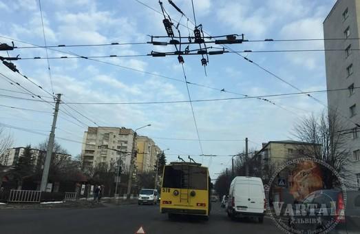 У Львові зранку зупинився рух тролейбусів кількох маршрутів
